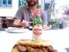 Tuzlanski-ćevapi-i-pivo-u-Sezamu