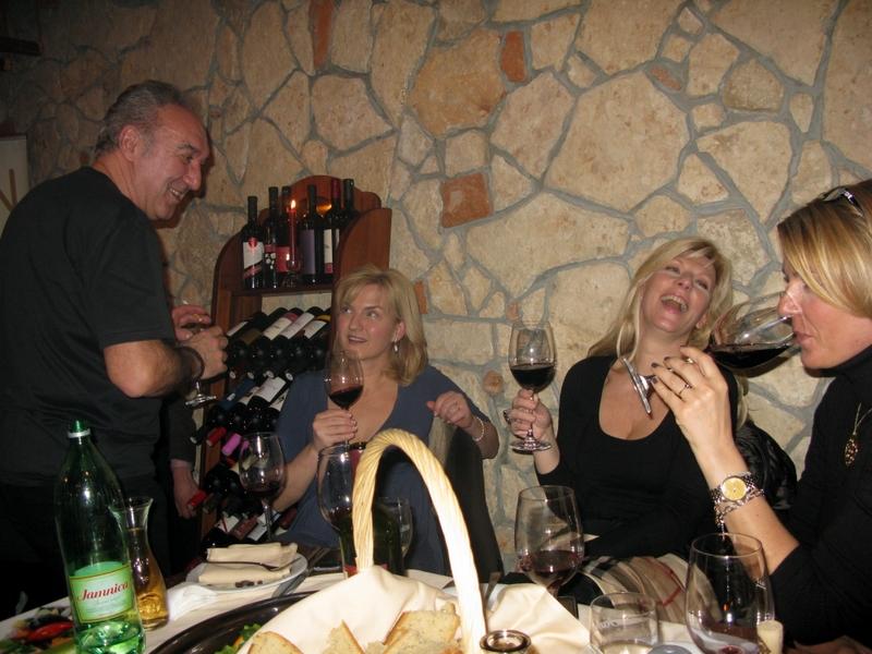 Vladimir Kočiš Zec, Sanja Doležal i Suzy Josipović Redžepagić