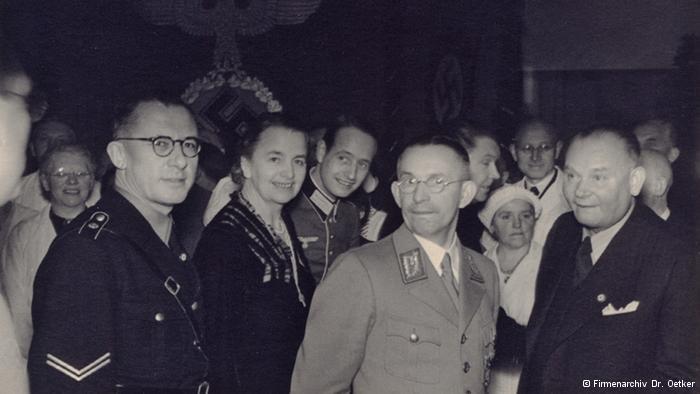 Obitelj Oetker na proslavi s nacističkim časnicima