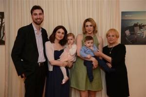 Ljerka Ćosić, kćeri Ana, Iva i sin Petar Krešimir