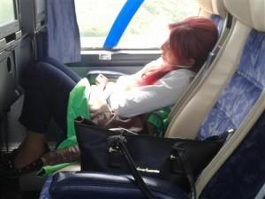 Stjuardesa u busu