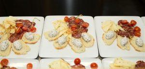 Ružičasti slijed tartufa-sir i salama