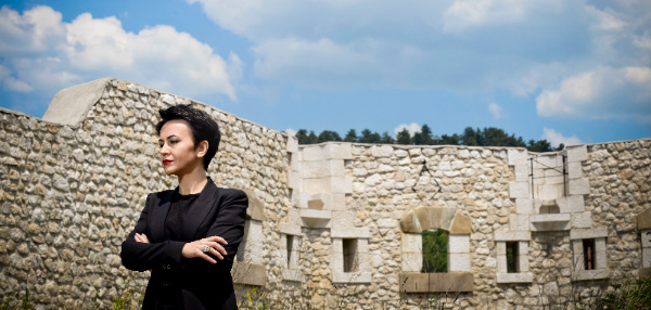 Amira Medunjanin-Silk & Stone