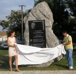 Ferdinand Takač-spomenik