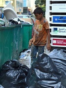 Dječak u smeću